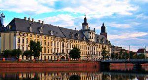 Polonya'da Üniversite Eğitimi Ücretleri ve Fiyatları